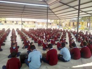 Sweter-donate-school-primary-vadgam-1